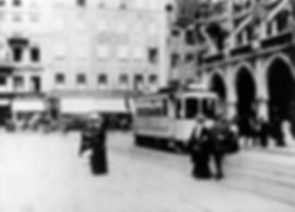 A-Tw vor dem Rathaus in Richtung Schwabing 1908 tram München