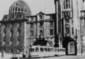 M3-Tw 864 durchfährt die Ruine des Verkehrsministeriums auswärts 1959 tram münchen