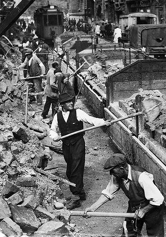 Zerstörung__Maffeistraße_1945-1.jpg