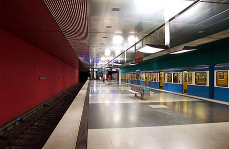 Wettersteinplatz U-Bahn 01.jpg