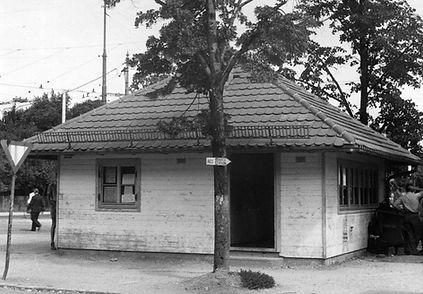 Wartehalle Waldfriedhof-300748-VB-L48-27