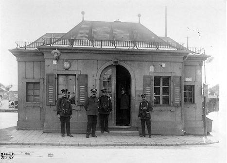 Stationshaus Harras-210825-VB-34.41.jpg