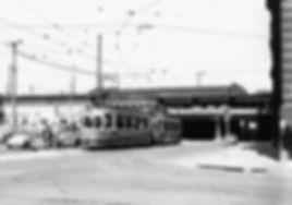 M3-Tw 810 + Bw am Holzkirchner Bahnhof März 1967 München tram