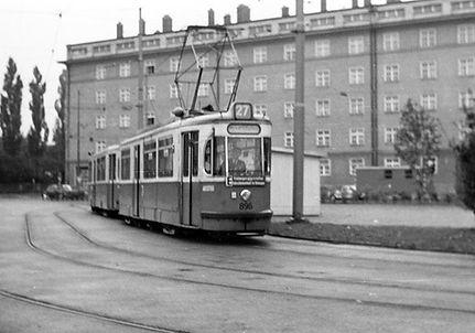 M4-Tw 896 in der neuen Schleife Messegelände Juni 1967 tram München