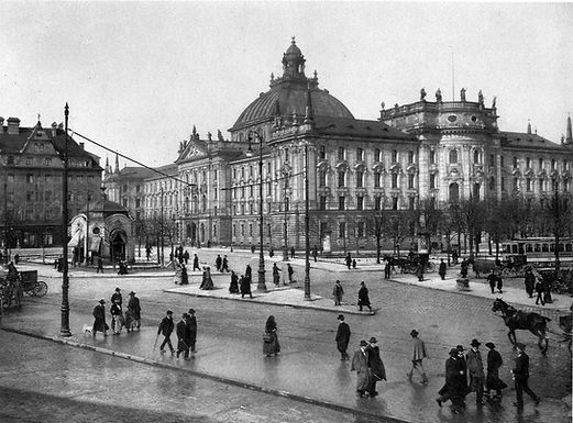 1910  Stachus.jpg