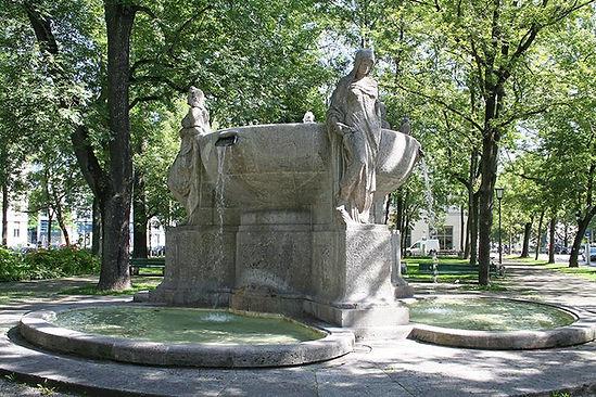 Nornenbrunnen_Muenchen Oliver Raupach.jp
