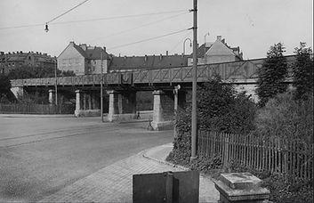 1930_Isartalstraße_Brücke_Isartalbahn.