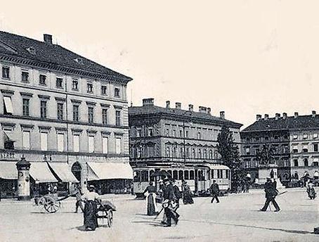 Odeonsplatz 1900 Akkulok Stadtarchiv.jpg