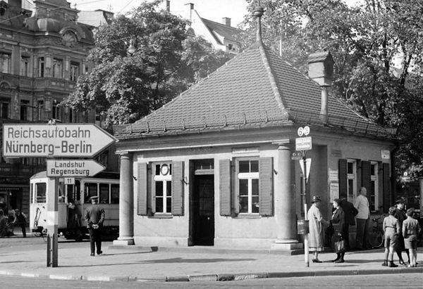 Stationshaus Münchner Freiheit-Südostseite-xx0640-VB-L47-148.jpg