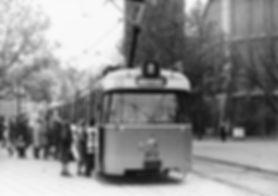P3-Tw 2012 an der Haltestelle Sendlingertorplatz Richtung Stachus 2.12.1974 tram münchen