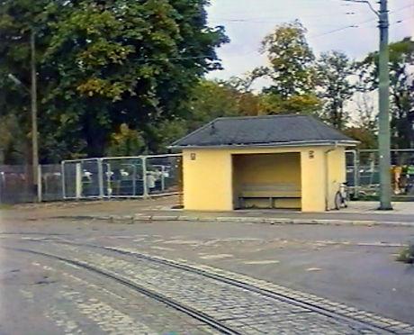 Wartehalle Hanauerstraße.jpg