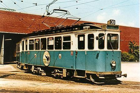 E-Tw 613 im Betriebshof Steinhausen, color 4.6.1967 münchen tram