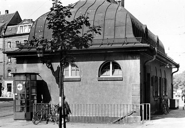 Stationshaus Ostfriedhof-Ostseite-270840-VB.jpg