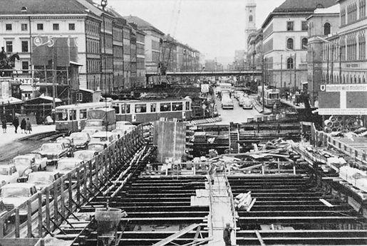 U-Bahn-Bau-9-Odeonsplatz.jpg