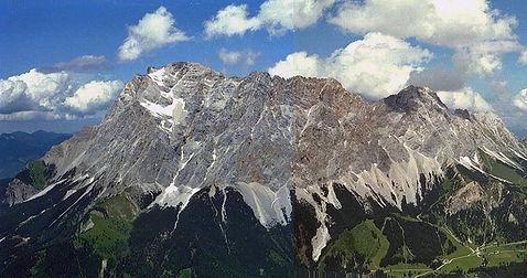 Wetterstein_Gebirge.jpg
