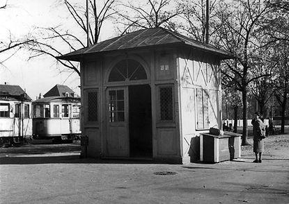 Wartehalle Waldfriedhof-xx0540-VB-L47-20