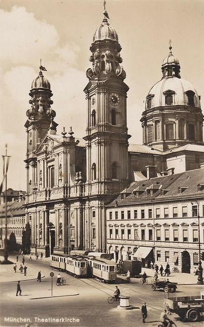 1949 Odeonsplatz.jpg