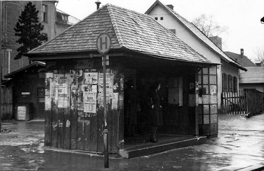 Wartehalle Agnes-Bernauer-Fürstenrieder Str-110248-VB-L48-45.jpg