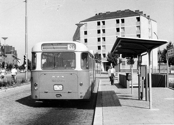 Haltestellen-Überdachung Ramersdorf-Bus-130862-VB-L62-157.jpg