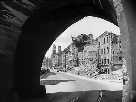 1945 Isartor.jpg