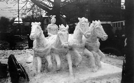 Stachus schneeskulpturen.jpg