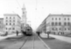 Linie 16 an der Universität tram München