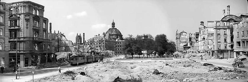 1945 Stachus Cronauer.jpg