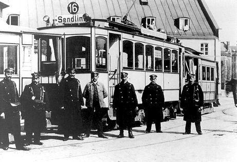 A-Tw 220 und a-Bw mit Personal am Harras 1913 München Tram