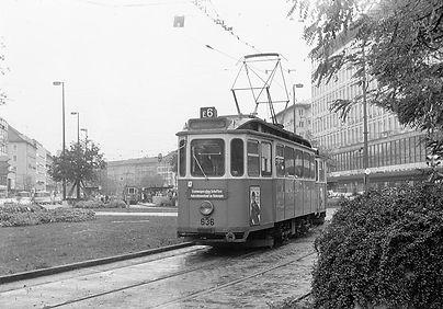 F-Tw 636 + f-Bw am Stachus auswärts Richtung Schwabing September 1971 tram münchen