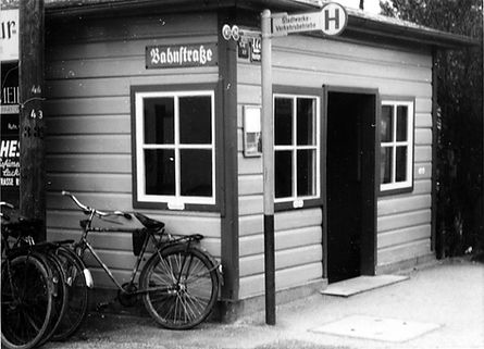 Wartehalle Bahnstr-231160-VB-L60-449.jpg