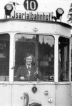Schaffnerin im C-Tw 1943 tram münchen
