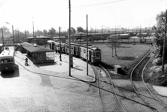 Bogenhausen - Steinhausen)  Vogelweideplatz  (1960)  (0001.01)  Tram)  zwei D-XX - Züge de
