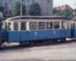Bahnhofswagen  Typ: e 5.49 Betriebsnmmer 3951 Im Betriebshof 6 / 1972