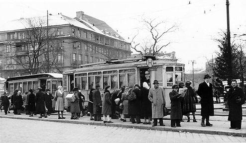 Mailänder Tw 2072 mit c-Bw am Sendlingertorplatz Richtung Thalkirchen 22.12.1948 tram münchen