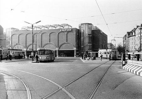 M4-Tw 2489 + m4-Bw 3491 an der prov. Endhaltestelle Rotkreuzplatz münchen tram trambahn