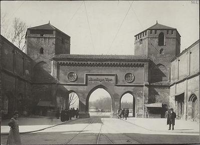 Sendlinger Tor 1906 Stadtarchiv.jpg