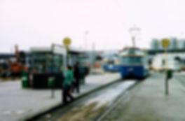 Tw 2041 + Bw 3036 fährt in die Endstation Neuperlach Zentrum ein 1980 tram trambahn münchen