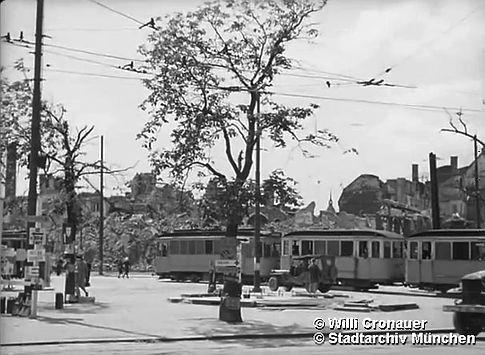 Stachus Mai 1945 a.jpg