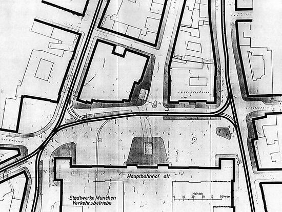 04 Bahnhofsplatz 1955.jpg