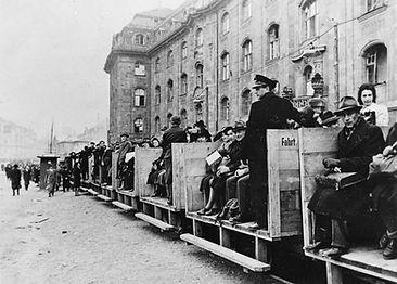 Hilfsbahnlinie in der Arnulfstraße, 1945. Archiv MVG münchen krieg tram trambahn