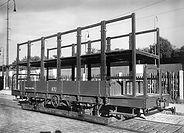 1929 wurde der Behelfsturmwagen 872 am Isartalbahnhof ins passende Licht für ein Foto gestellt  tram münchen trambahn