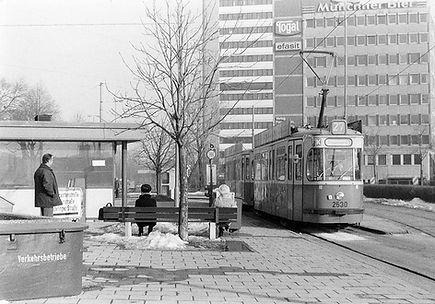 M5-Tw 2530 an der Endhaltestelle Steinhausen 12.2.1987 münchen tram