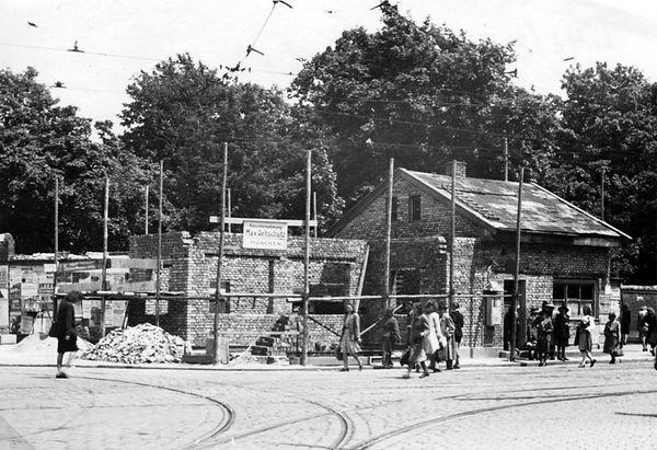 Stationshaus Ostfriedhof-Westseite-250548-VB-L48-215.jpg