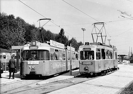 P3-Tw 2041 + J2-Tw 733 der Linie 2 am neuen Scheidplatz einwärts 13.5.1972 tram münchen