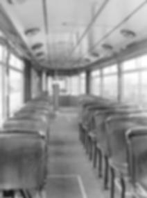 Gegenüber den M1-Prototypen sind zahlreiche Ausstattungsdetails verändert worden, wie z.B. die Anordnung der Haltestangen, der Fahrgastsitze oder die Ausführung des Fußbodens münchen tram