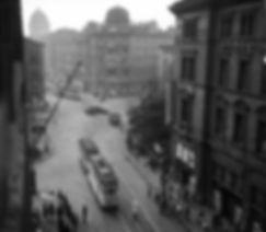 E-Tw + e-Bw in der Prielmayerstraße einwärts 1937 münchen tram