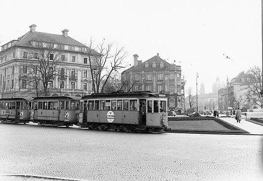D-Tw am Karolinenplatz einwärts 1952 München tram