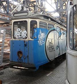 Typ E Wagen Nr. 544 der Linie 7 wartet auf die Abfahrt zum Ostbahnhof münchen tram