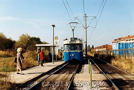 Tw 2020 an der Haltestelle Hugo-Wolf-Straße einwärts 16.10.1991