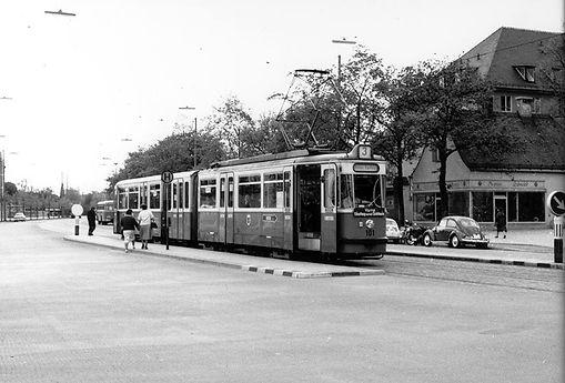 10.5.1962: P1-Tw 101 an der Haltestelle Kölner Platz einwärts tatzelwurm münchen Tram